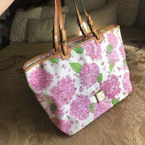 Dooney & Bourke Hand bag $75